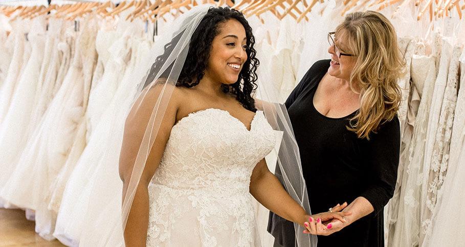 Image for Plus-Size Wedding Dress Shopping Tips from Alex Larosa