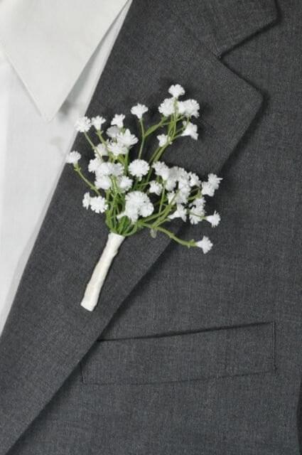 simple wedding boutonnière
