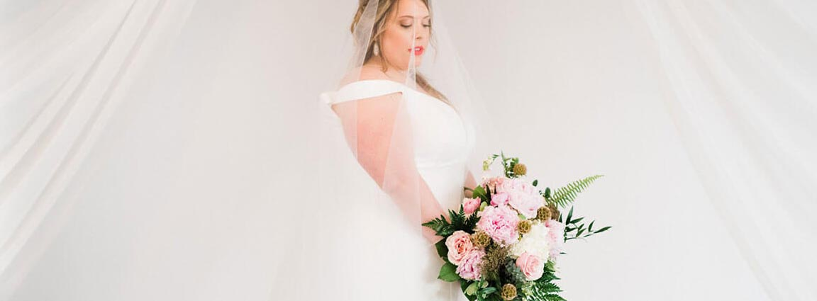 Image for SIMPLY & STUNNING: THE HAVANA ROOM STYLED SHOOT
