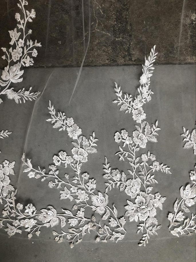 Lace detail on AVL0046 by Essense of Australia wedding veil