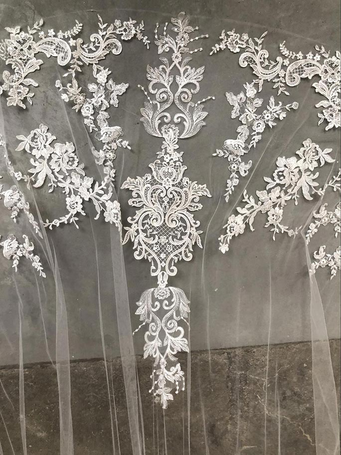 Lace detail on AVL2505 by Essense of Australia veil